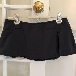 Perry Ellis Black Short Swim Skirt size medium